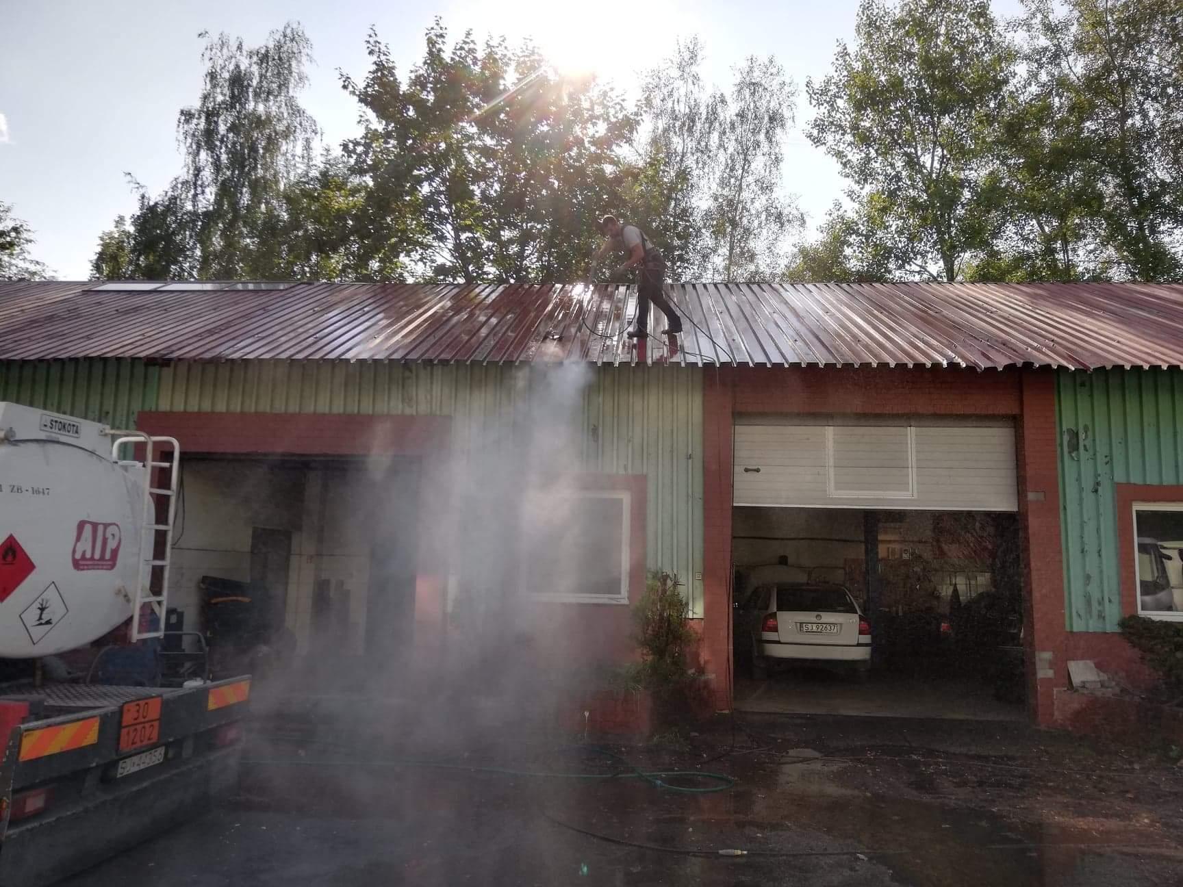 Mycie hal